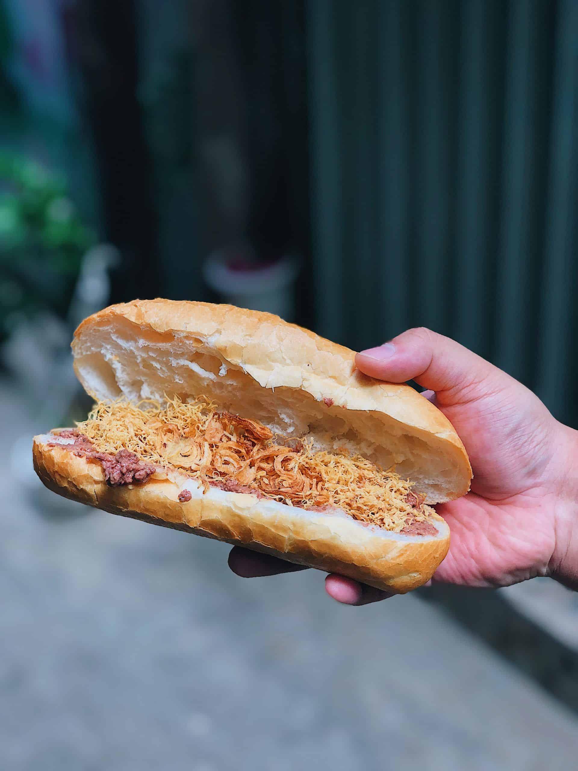 Bánh mì pate