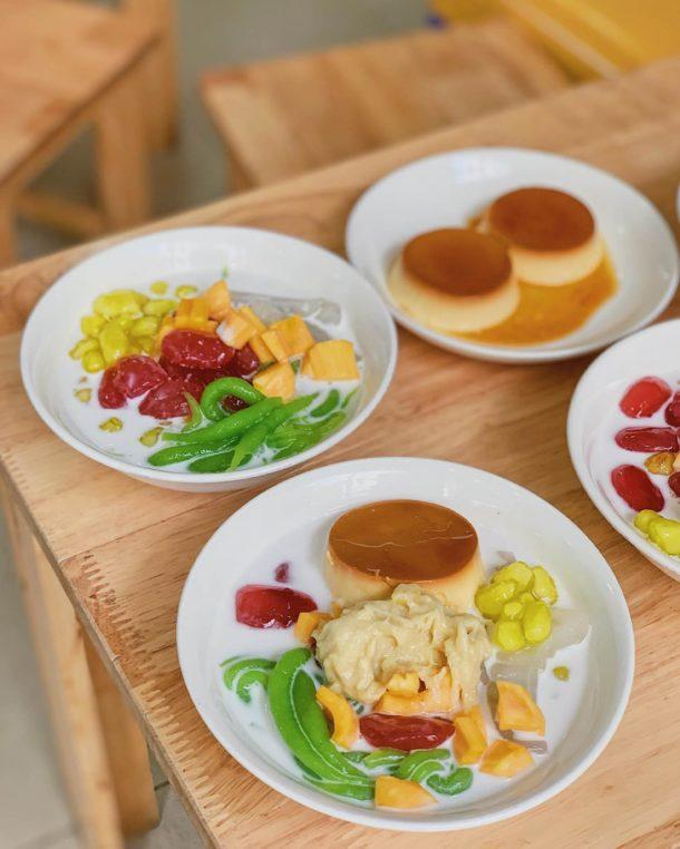 Ảnh 13: Một bàn ăn vặt toàn những món mát lạnh