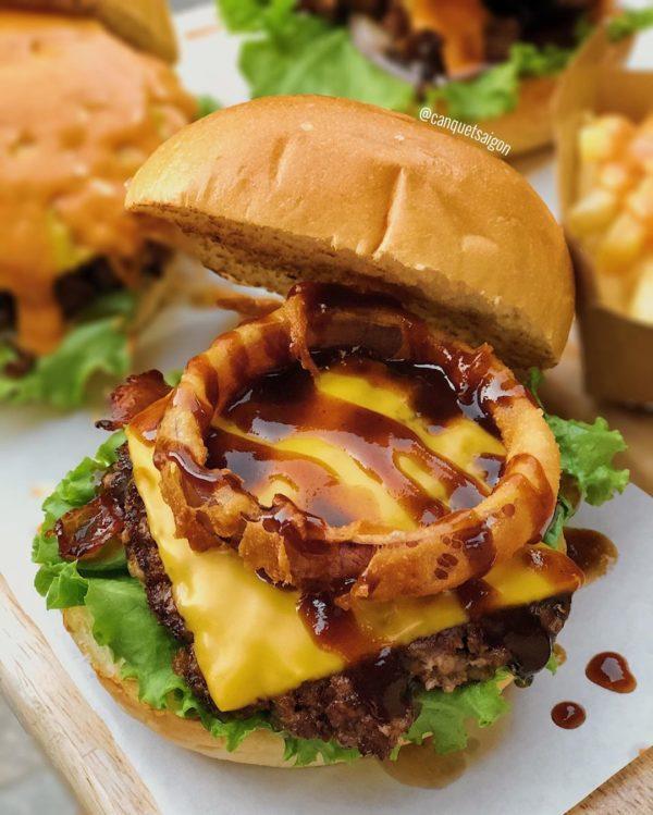 Ảnh 5: Burger bò sốt BBQ kèm phô mai