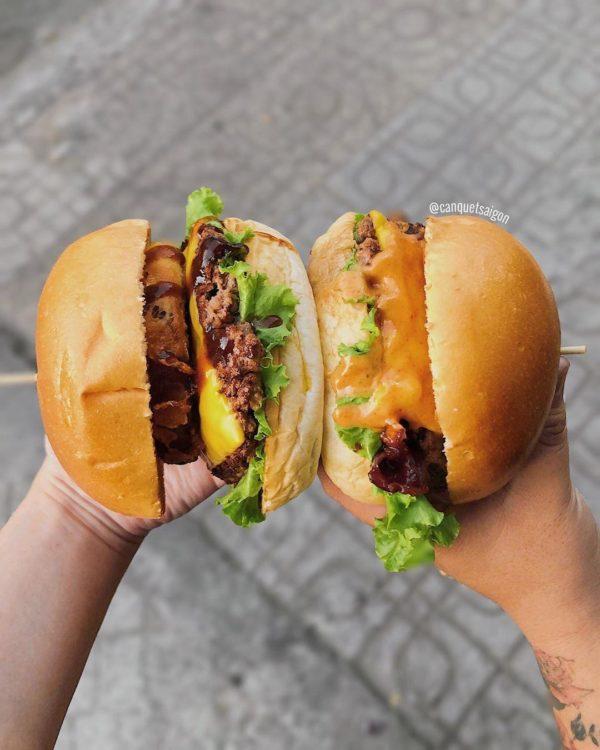 Ảnh 2: Burger bò hai tầng sốt đặc biệt