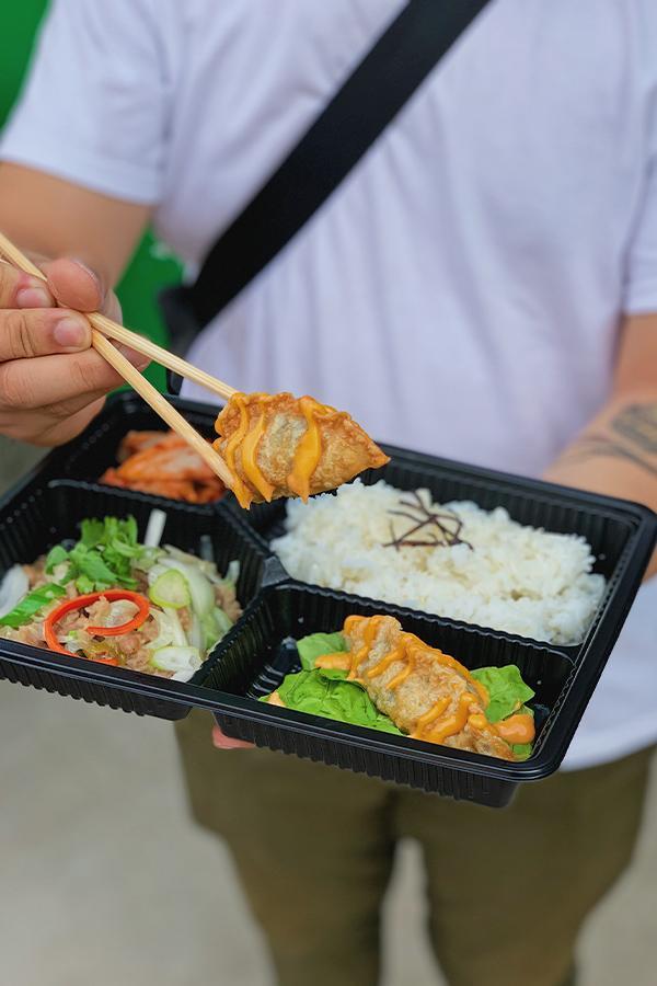 Ảnh 8: Combo Cơm Bibigo Lunch Box có Mandu giòn giòn