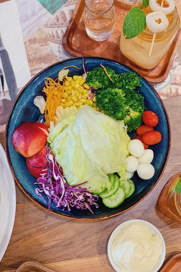 Ảnh 7: Salad đặc sắc
