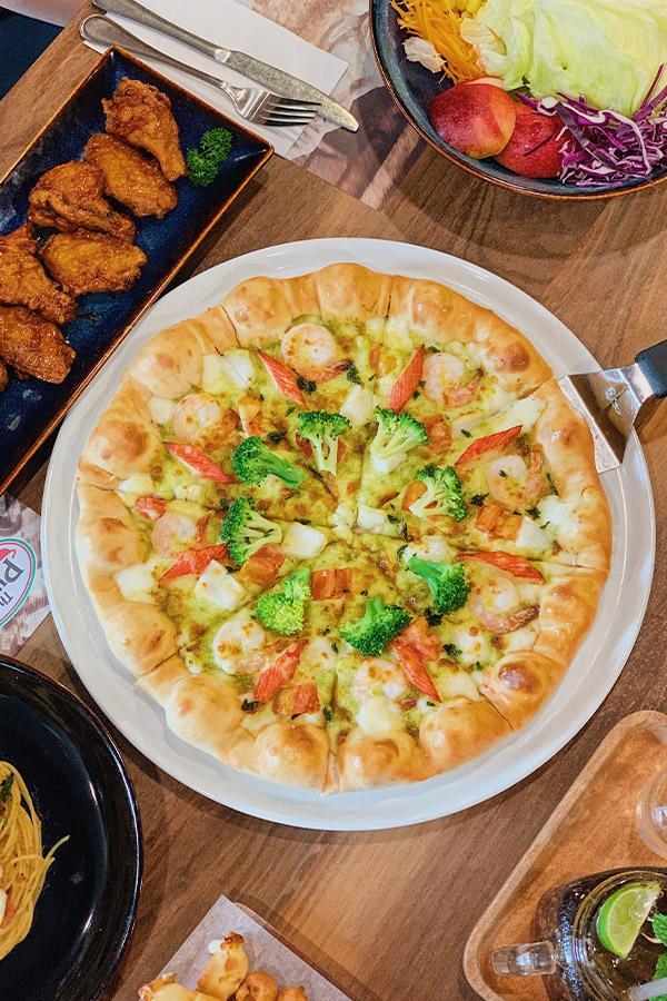 Ảnh 6: Pizza Vua Hải Sản viền phô mai núi lửa
