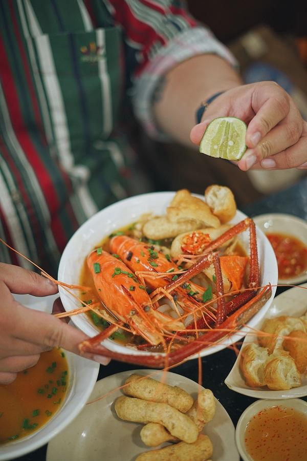 bánh canh cua Sài Gòn