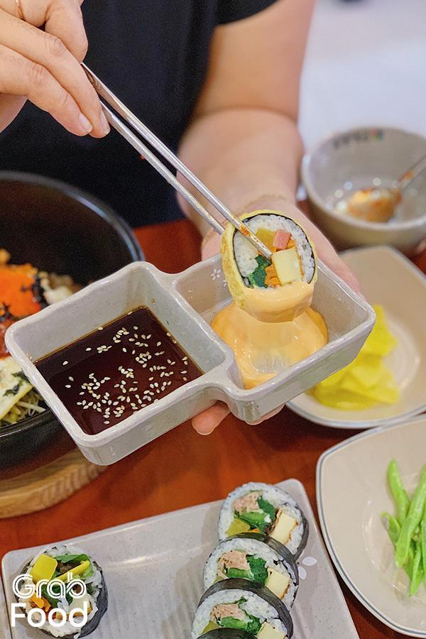 Kimbap cuộn trứng