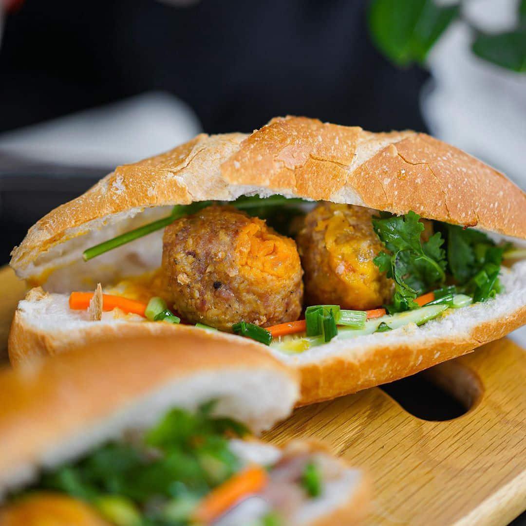 bánh mì ngon ở Sài Gòn quận Tân Bình