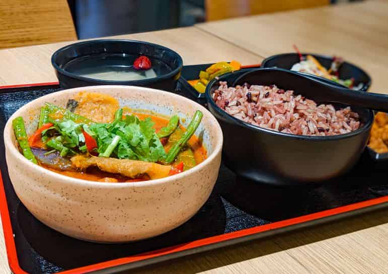 Vegetarian restaurants in KL: Simple Life's Asam Seaweed Beancurd rice set