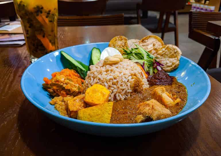 Vegetarian restaurants in KL: Vegetarian nasi lemak at BMS Organics with mushrooms, egg and pickled achar
