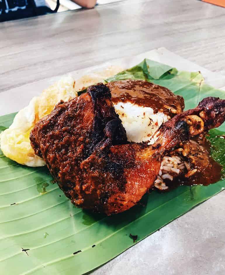 Best cheap eats in Kuala Lumpur: D'Naim Nasi Kukus with ayam dara berempah