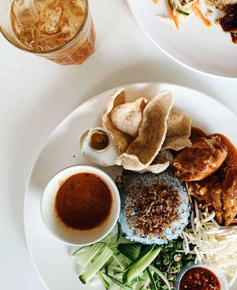 Food guide to TTDI Kuala Lumpur: Nasi kerabu at dua by skohns in ttdi