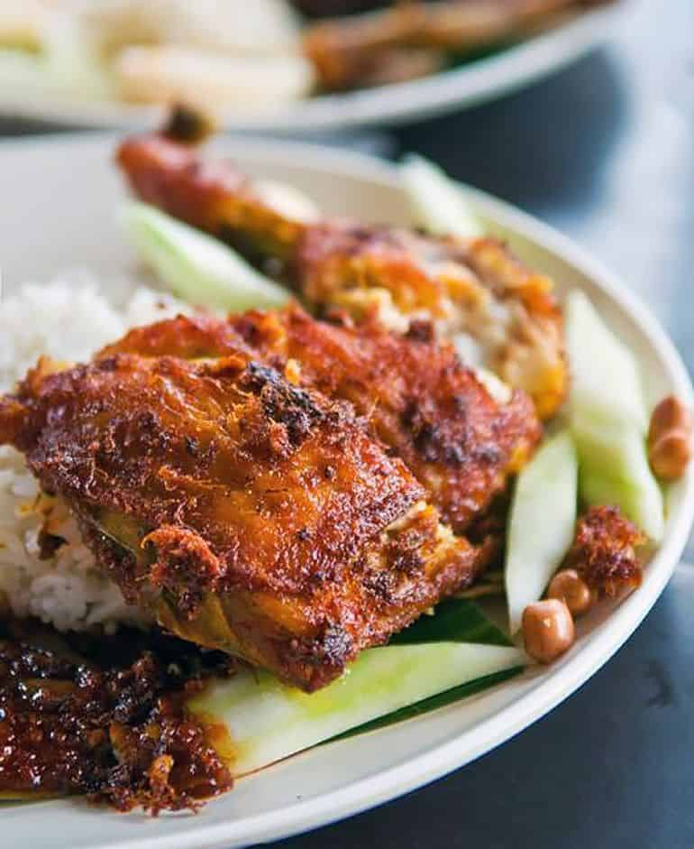 Street food delivery in KL: village park restaurant nasi lemak with fried chicken