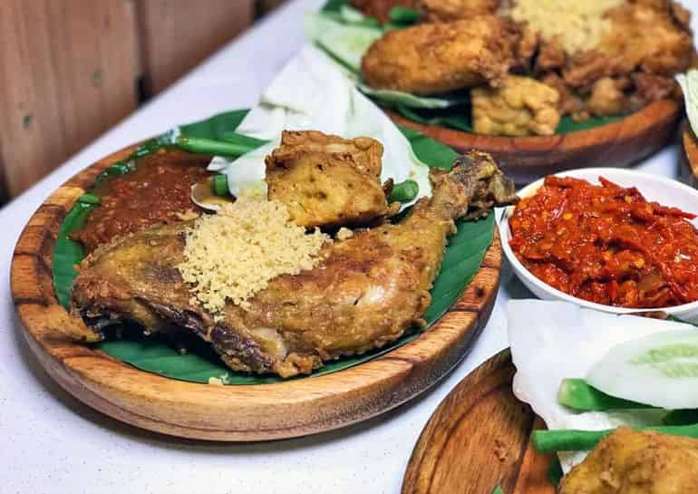 Street food delivery in KL: Ayam Penyet Best