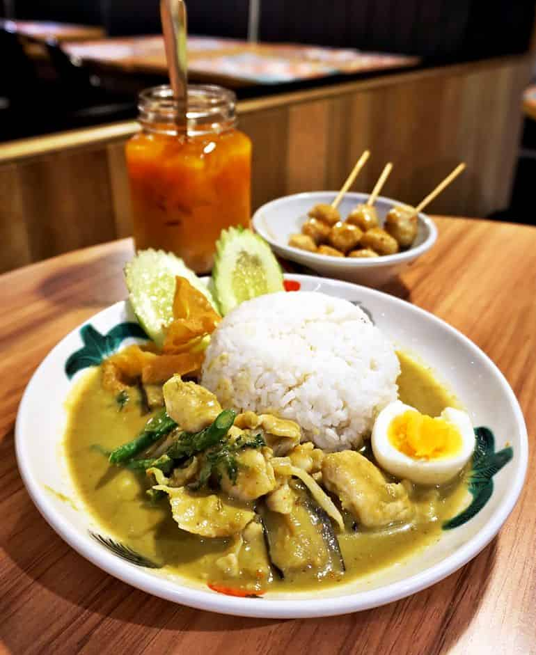 Street food delivery in KL: Thai chicken green curry at Absolute Thai