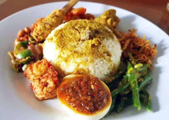 6 Nasi Campur Bali Paling Otentik dan Enak   Grab ID