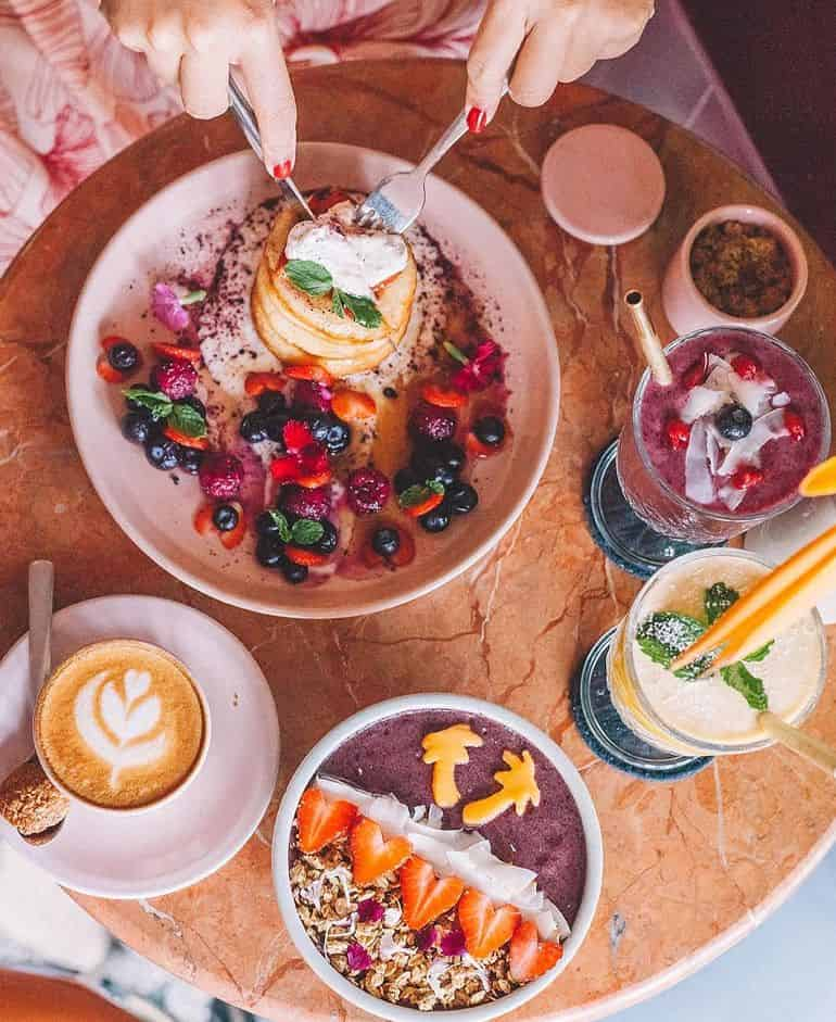 Best restaurants in Seminyak Bali: breakfast at Sea Circus