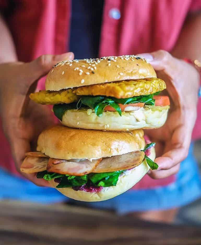 Best Bali cafes: tempeh and smoked chicken bagels at Island Bagels